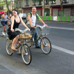 Andar en bici fomenta estados de alegría
