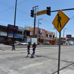 Cruce peatonal en avenida universidad en San Nicolás de los Garza