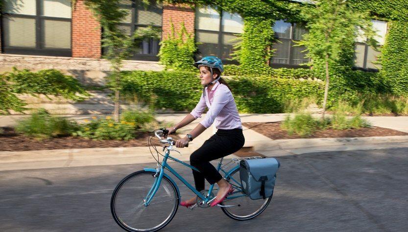 Cómo andar en bicicleta bajo el calor de la ciudad